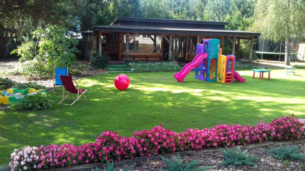 Przedszkole Borowina – ogród z placem zabaw